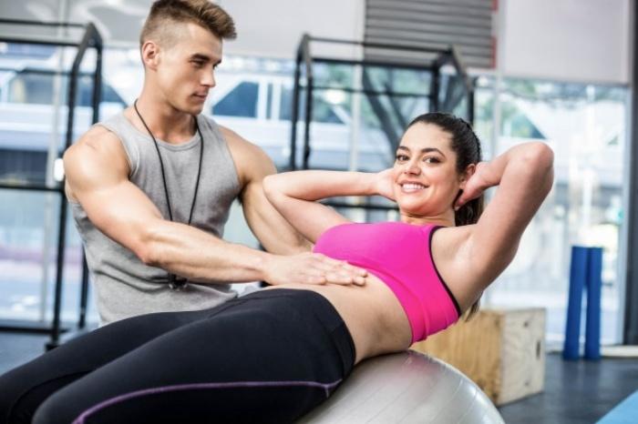 腹筋にアプローチするために効果的なプランク6選