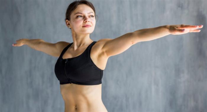 リラックス効果のある有酸素運動をする女性
