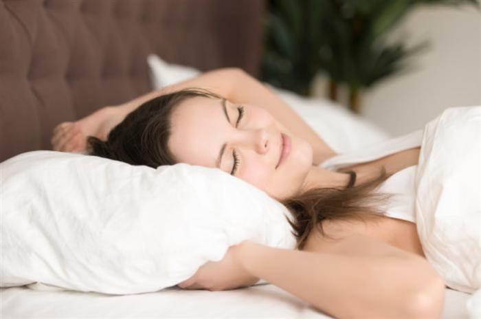 有酸素運動で入眠しやすくなっている女性