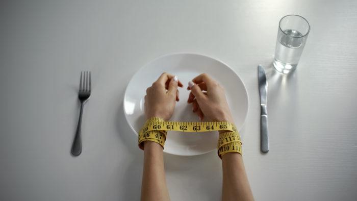 極端な食事制限