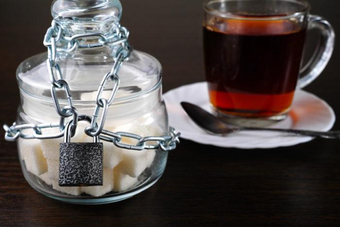 糖 質 制限 痩せ ない